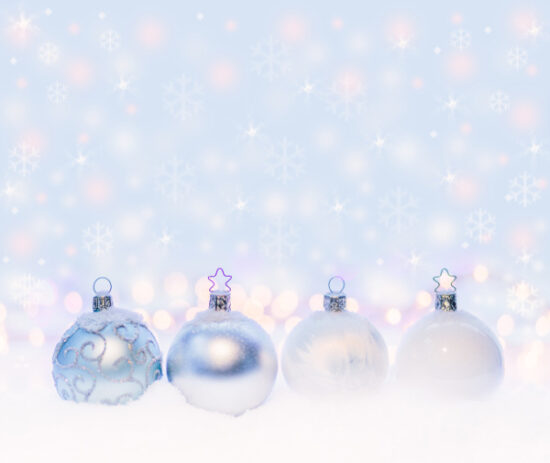クリスマスツリーの飾りで付ける玉の名前と意味は?数はどれくらい?