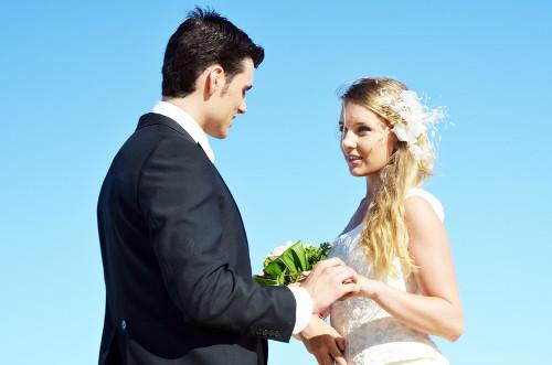 結婚式のお礼状は必要?写真を同封した方がいい?送るタイミングは?