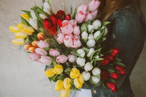 送別会の花束を渡すタイミングや渡す人の選び方 手配するときのポイントをご紹介!