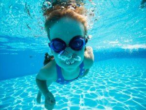 プールダイエットは泳げない人もできるか ウォーキングにダイエット効果はある?